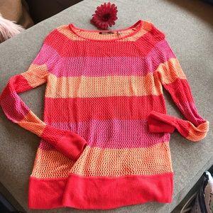 5/$25 525 America open knit top